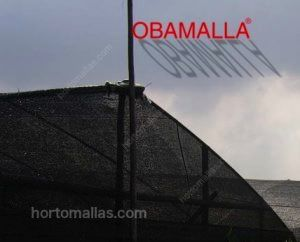 invernadero-cubierto-con-malla-sombra-obamalla