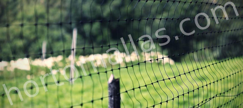 A Malha/Rede anti-pássaros, é uma excelente opção para o tratamento de aves de capoeira contra a infecção de gripe aviária.