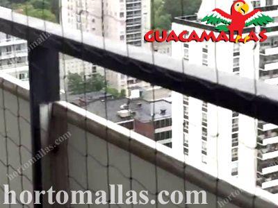 A malha/rede anti-pássaros também pode ser instalada em edifícios
