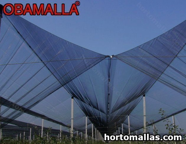 Construir uma casa com malha/rede de sombra com a estrutura de moldura dará a sensação de estar ao ar livre.