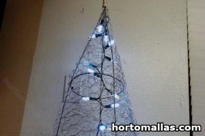 Chicken wire Christmas tree with lights
