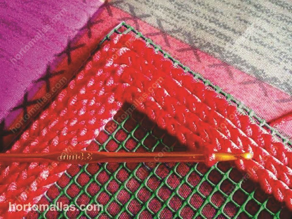 Plastic canvas mesh for crafts, weaving a rug with plastic mesh, coasters, bags and more