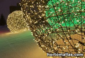 Chicken wire Light Balls