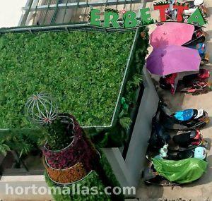 Techo Verde con plantas sintéticas