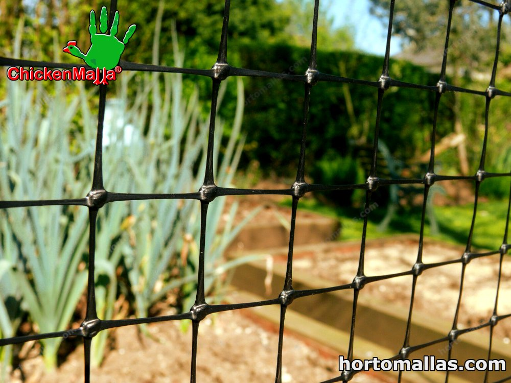 Dog fences can be placed in yards or on farms and helps avoid damage to crops and keeps poultry safe.