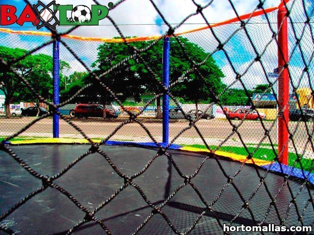Jugar con tranquilidad; BAXTOP protege con malla de seguridad para trampolines