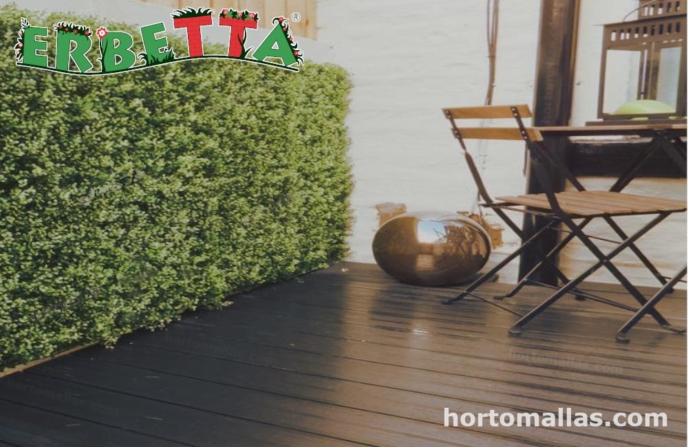 puede decorar su hogar con  plantas artificiales.