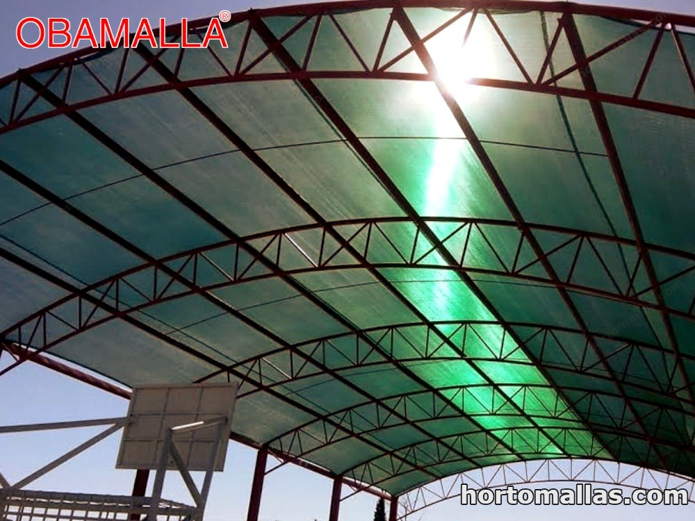 Sombrear canchas de fútbol rápido y campos deportivos ahora es fácil gracias a la malla sombra OBAMALLA