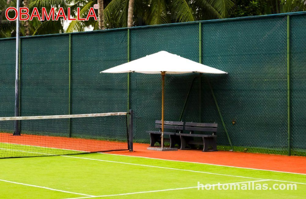 Area deportiva y malla sombra verde
