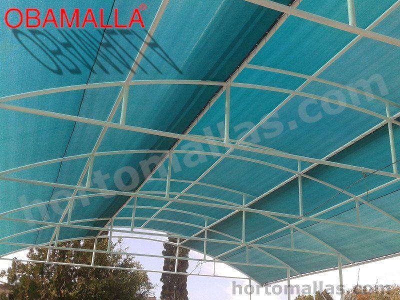 Galpón industrial con protección solar