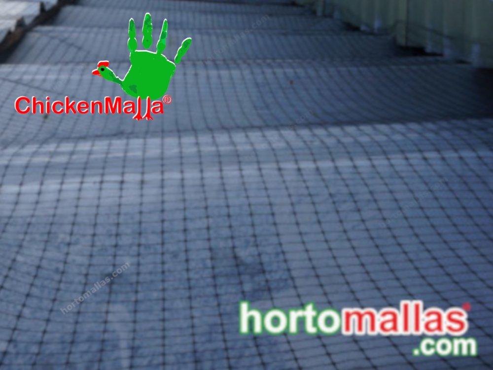 La malla CHICKENMALLA® no permite  la infiltración de palomas