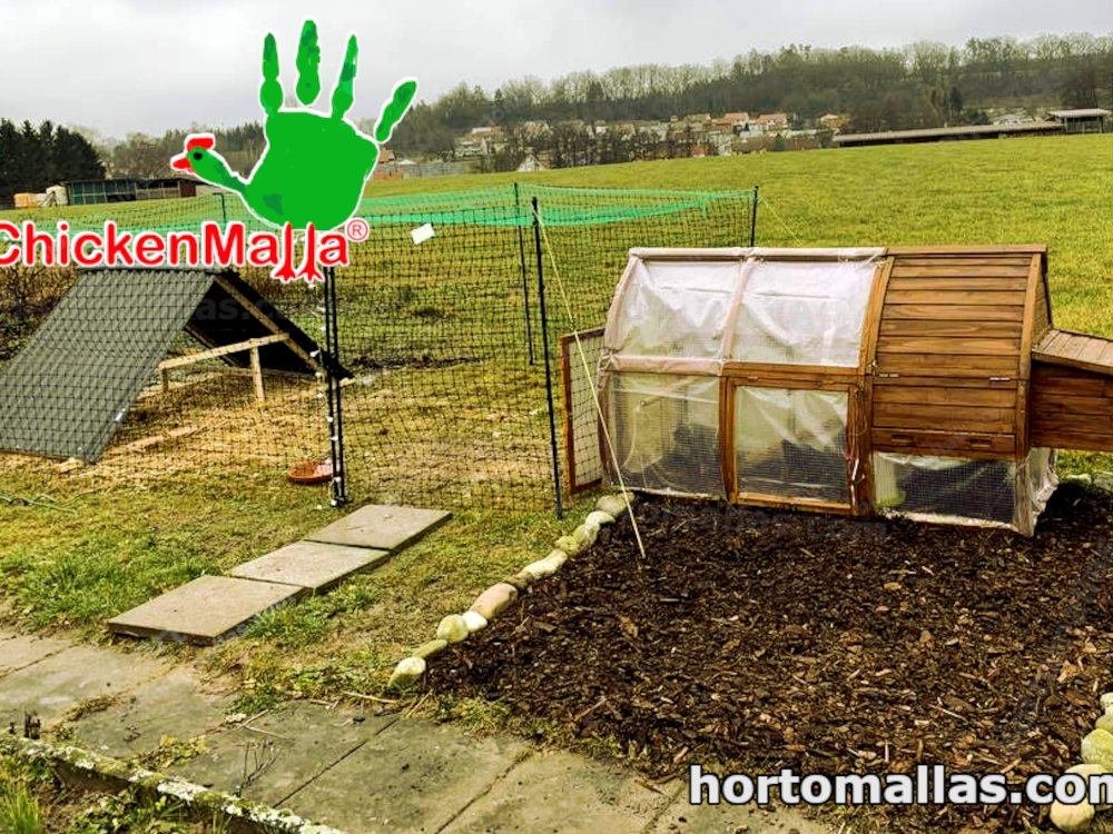 CHICKENMALLA® can also installed on small cage